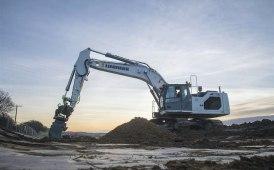 Consegna del primo escavatore idraulico Liebherr in Gran Bretagna