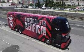 Neoplan Skyliner, il bus che viaggia con il Benfica