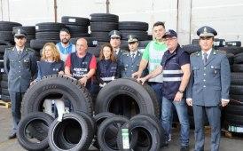 Maxi sequestro di pneumatici a Genova