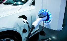 Flotte aziendali e veicoli elettrici: nuove funzionalità per WEBFLEET