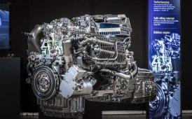 Daimler (anche) su benzina e diesel
