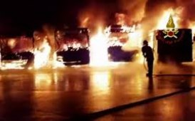 Incendio alla concessionaria Iveco Orecchia di Cornaredo