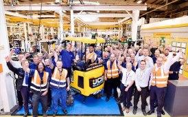 JCB, consegnati più di 50 mini elettrici