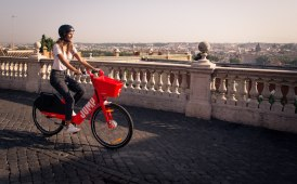 Mobilità condivisa: Roma prima città in Italia ad aprirsi alle bici di Uber JUMP
