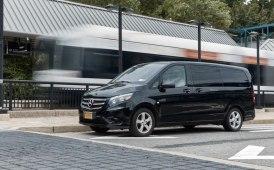 Trasporto locale: con i van on demand Mercedes di Via in giro per Cupertino
