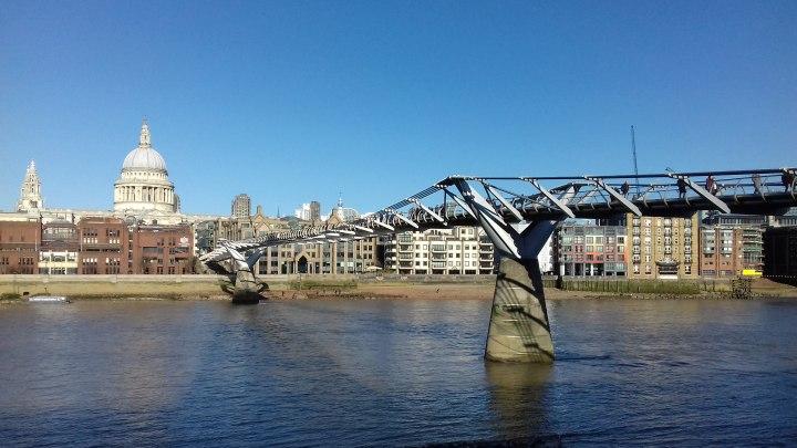 Millennium Bridge visto dalla Tate Modern