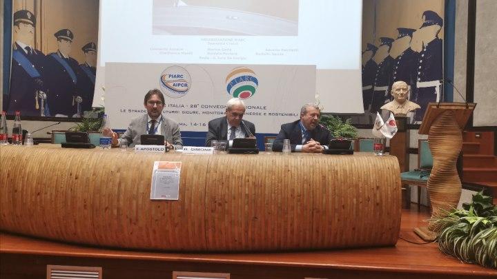 Seminario su Guida Autonoma e Smart roads con Fabrizio Apostolo (direttore di leStrade), Balduino Simone e Massimo Schintu (Direttore generale Aiscat)