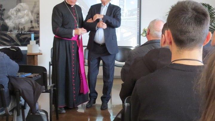 Monsignor Busti con Silvio Cocco, presidente Fondazione IIC