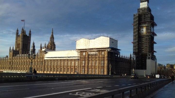 Parlamento e Big Ben con i ponteggi