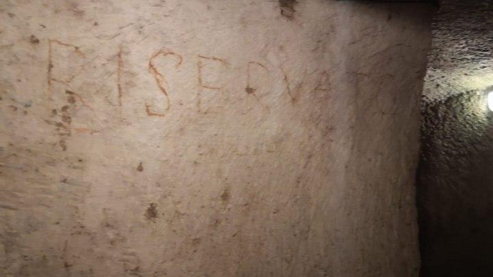 """Tempi di guerra: la scritta """"Riservato"""" alle milizie"""